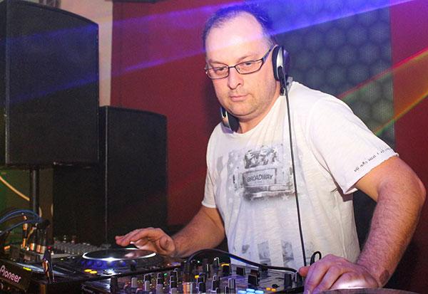 DeeJay Csacsa, Rólam, retro deejay, esküvői deejay, DJ, esküvő, csacsa